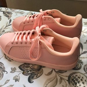 WOMENS Stan Smiths Adidas size 8