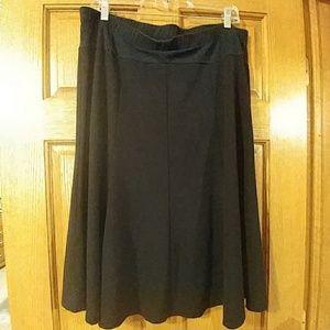 Flared maternity skirt
