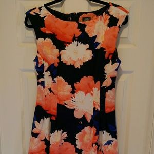 Lovely Floral Dress with Pockets