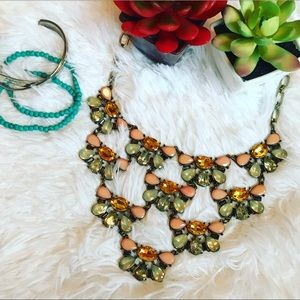 Jewelry - New 🌻 Floral Layered Statement Necklace 🌻