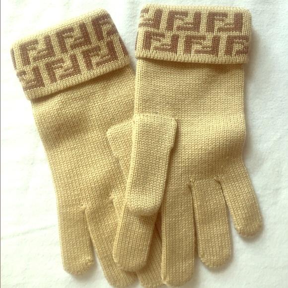 954b1ff64b43 Fendi Accessories - Fendi wool gloves