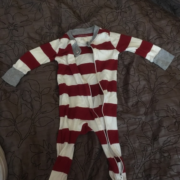 f46fa71356 Burt s Bees Baby Other - Burt s Bees Baby candy cane footed pajamas ...
