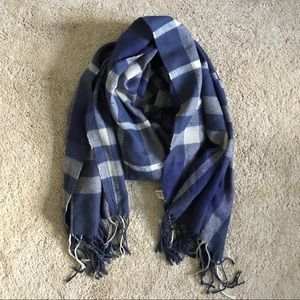 American Eagle blue plaid scarf