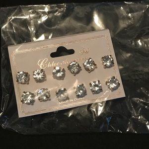 Jewelry - 6 PAIRS OF STUD EARRINGS