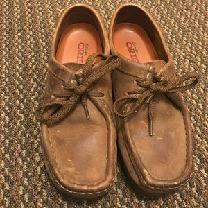 Brown Leather Clarks Wallabees