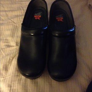 Authentic Men's Dansko Pro XP clog/shoes
