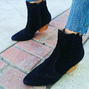 🆕//The Frankie// Black Western Gal bootie