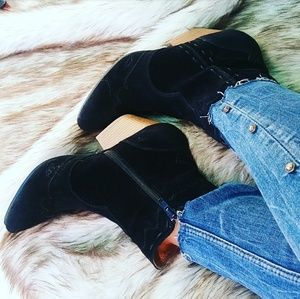 🆕//The Frankie// Black Western Gal bootie