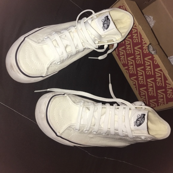 ... 8d745 e2f94 High White Vans Size 6 Women . 4.5 Men. Unisex new lower  prices ... 47b13169e8