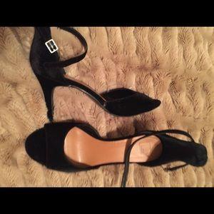 14th & Union Black velvet size 11 heels
