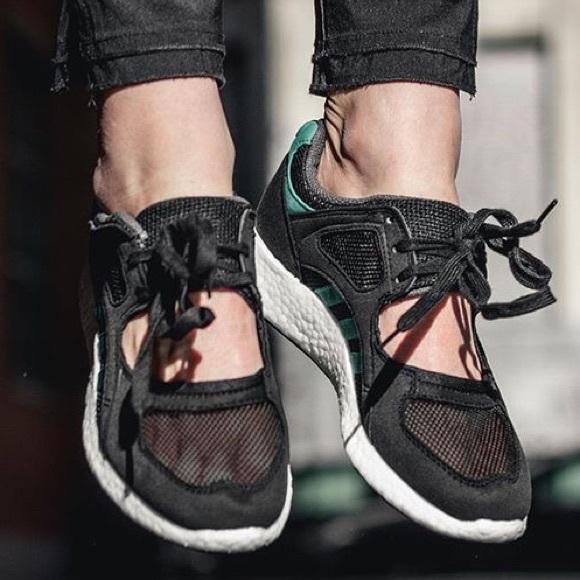 NWT Adidas Women's Equipment racing sneakers
