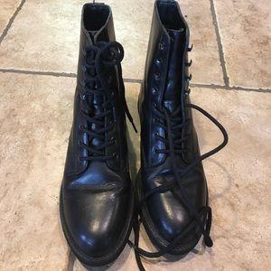 Stylish Rockport Black Leather Boots