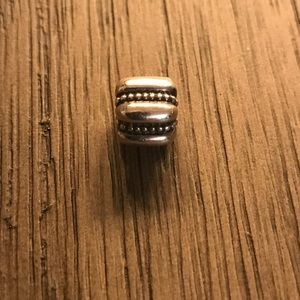 💯% AUTHENTIC PANDORA silver clip 1 left