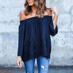 Tops - Black off the shoulder w/lace