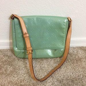 6ae5987e9c26 Louis Vuitton Bags - Authentic Louis Vuitton Vernis Thompson Street Bag