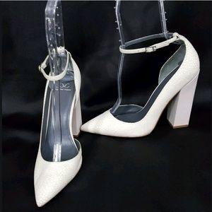 Monika Chiang white Zimba block heel pointed toe 9