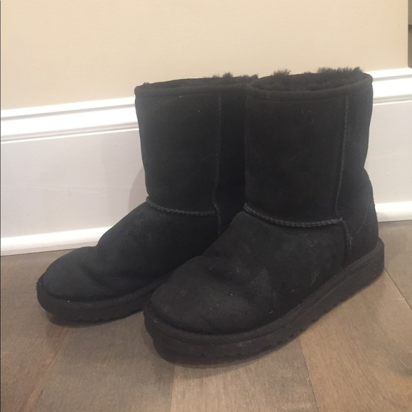 Girls black Ugg boots. Size 4.