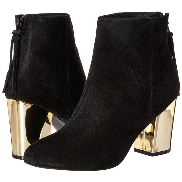 Steve Madden Cynthiam Black Suede Booties