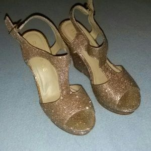 Rampage open toe gold glitter wedges