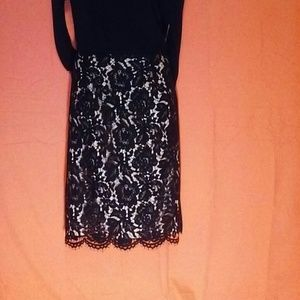 Vince Camuto black lace skirt size 10