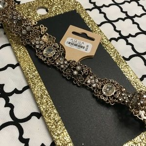 Love the details in this choker NEW