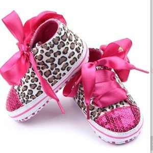 Other - Toddler Girls Leopard Print Sequined Sneaker
