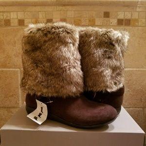 NWOB Report winter boots!!