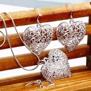 Jewelry - Plated silver jewelry pretty heart set