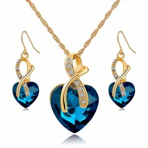 Jewelry - Crystal Heart Necklace Earrings Jewelry Set