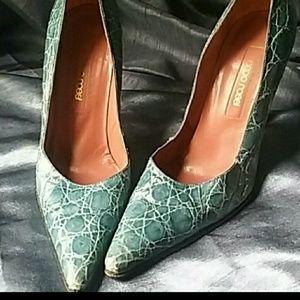 Authentic SERGIO Rossi crocodile turquoise heels