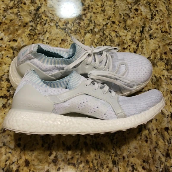 detailed look 3d9c0 2b419 adidas Shoes - WOMENS ADIDAS ULTRABOOST PARLEY BY2707