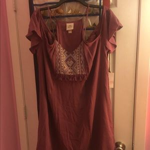 Dresses & Skirts - NWT Cute dress