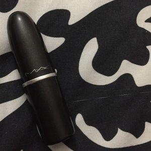 """MAC lipstick in """"diva"""""""