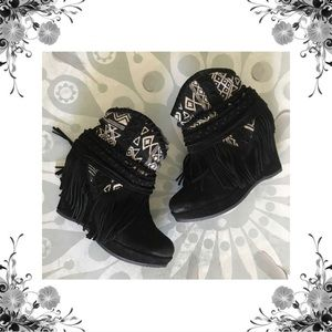 ⬇️{Naughty Monkey} Canyon Dream Fringed Suede Boot