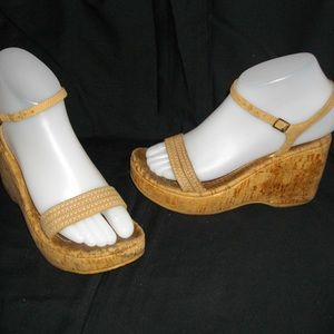 Two Lips Beige or Caramel Wedge Sandals 8 Shoes