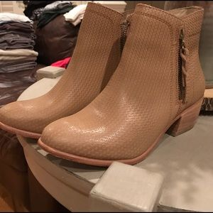 Brand new wolverine women's booties
