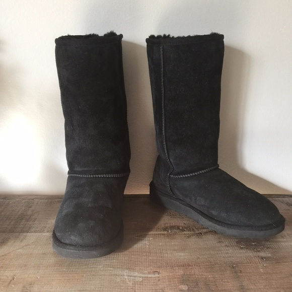 Classic Tall UGG boots Girls Size 4