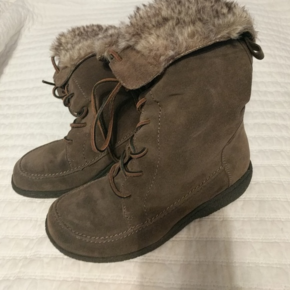 008c0321a49f9c Sam Edelman leather faux fur lace-up boot. M 5a04543e5a49d0397002ca32
