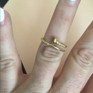 Jewelry - Gold tone nail ring