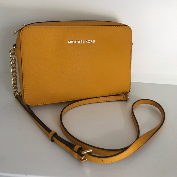0cba947e56b68f MICHAEL Michael Kors Bags | Jet Set Crossbody Bag | Poshmark