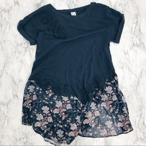 Anthropologie Akemi + Kin blue floral tunic small
