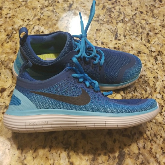 e8b2a0c24d8e NWOT WOMENS NIKE FREE RN DISTANCE 2  863776-400.  M 5a046fc63c6f9f945d031a92. Other Shoes ...
