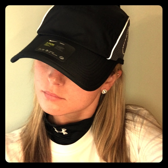 a9a2bbf5086c28 Nike Accessories | Aerobill Running Hat Black | Poshmark