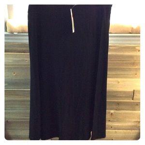 Eileen Fisher black crepe skirt, new! M-L. ❄️💫🌟