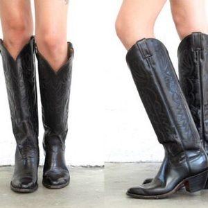 Shoes - VINTAGE Black Cowboy Boots
