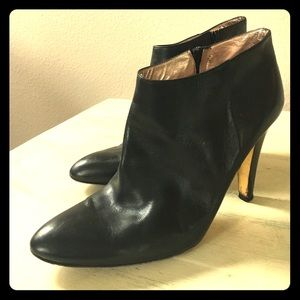 Kenneth Cole Heeled Black Leather Booties