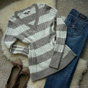 🌹 LOFT Cable Knit Sparkle Sweater 🌹