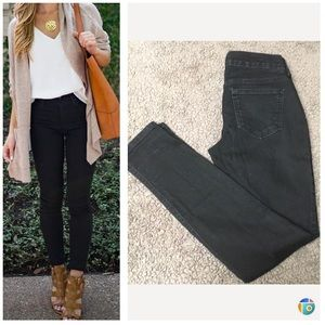 Old Navy Jeans - Black mid rise skinny jeans