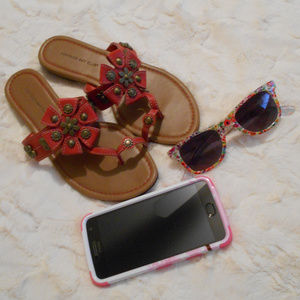 Adorable Montego Bay Club Sandals Size 7.5