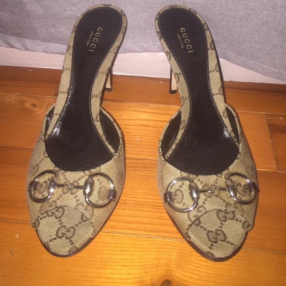 679bd8a732b7 Gucci Shoes - Gucci sandal worn twice purchased at Nordstrom